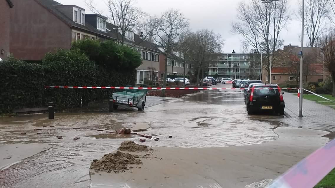 Waterleidingbreuk in Velsen-Zuid