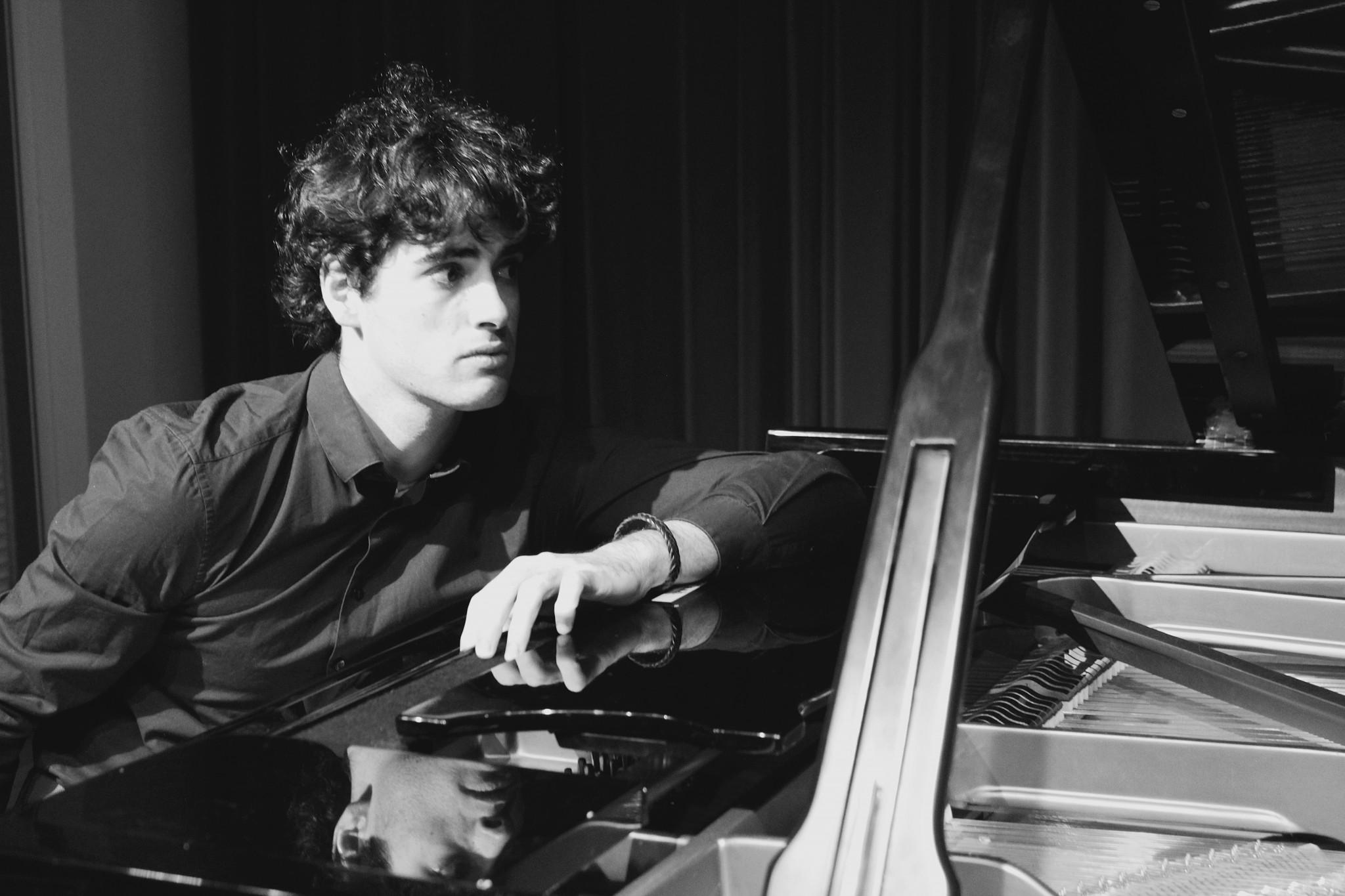 Meesterwerken op piano in 't Mosterdzaadje