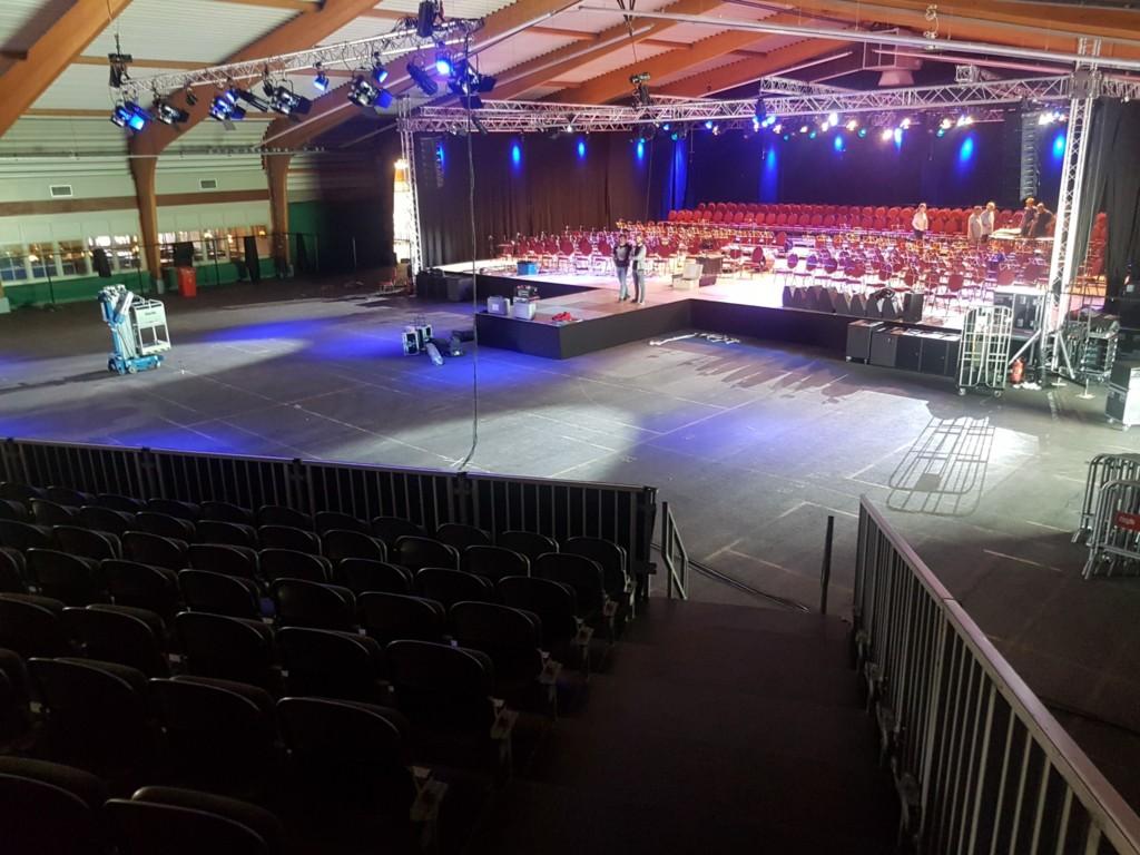 Immense concerthal voor spektakel-Night