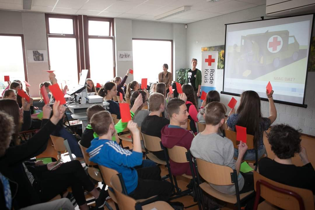Rode Kruis zoekt vrijwilligers voor les aan leerlingen