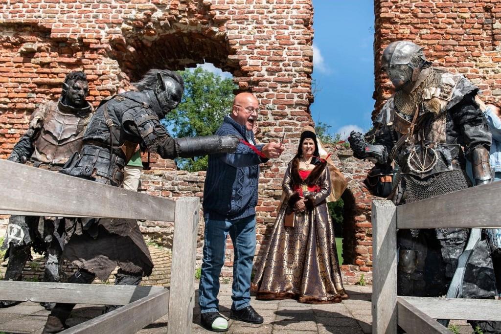 Geschiedenis Ruïne van Brederode uitgebeeld in  Playmobil.