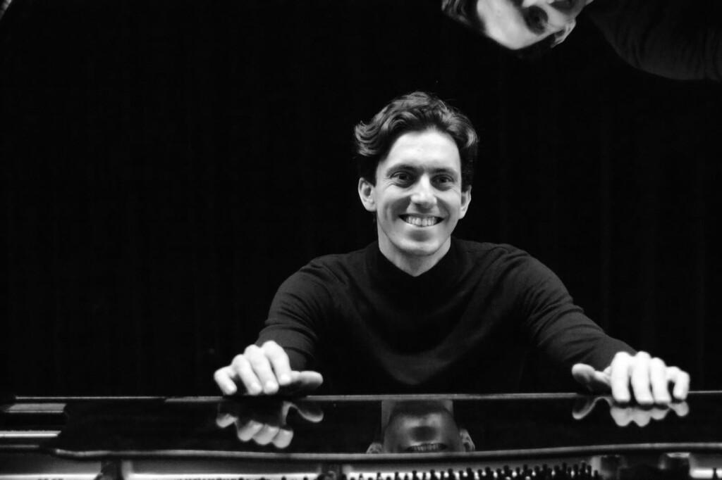 Pianist Hugo Mathis in 't Mosterdzaadje