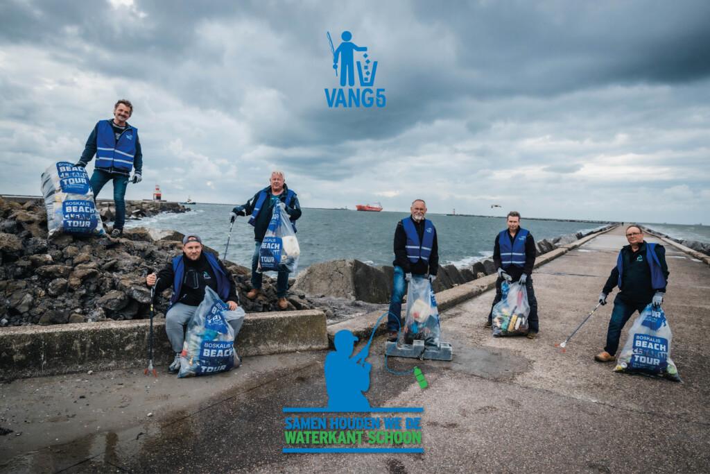 Sportvissers gaan vuil opruimen op de Zuidpier