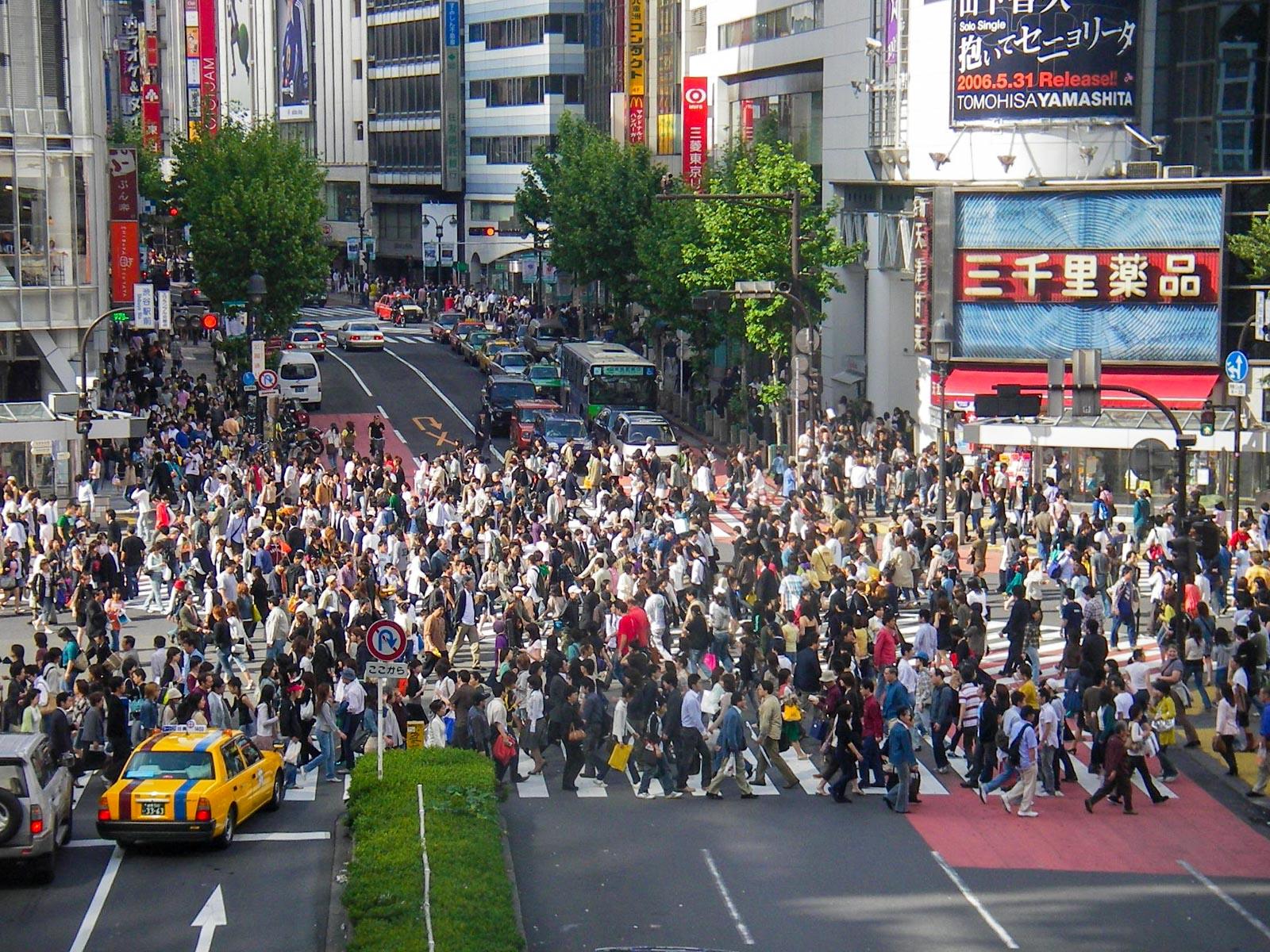 Shibuya Crosswalk | www.rtwgirl.com