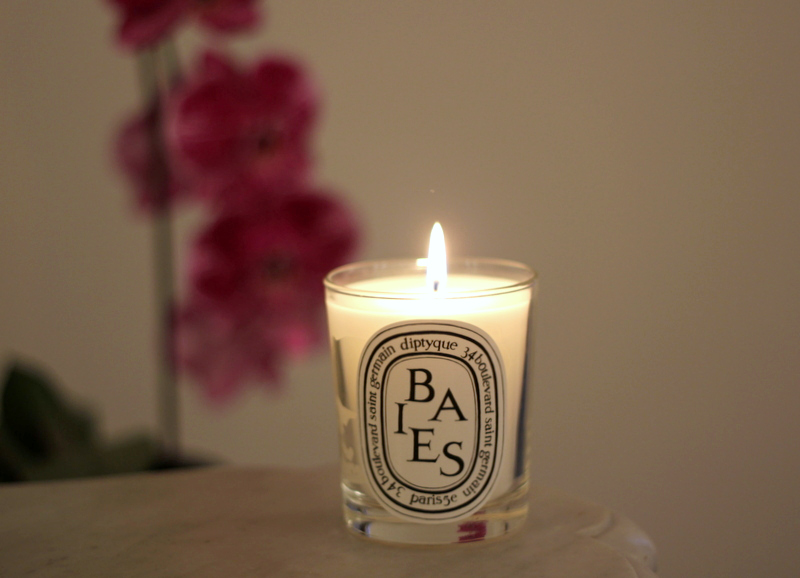 Packing A Travel Candle | www.rtwgirl.com