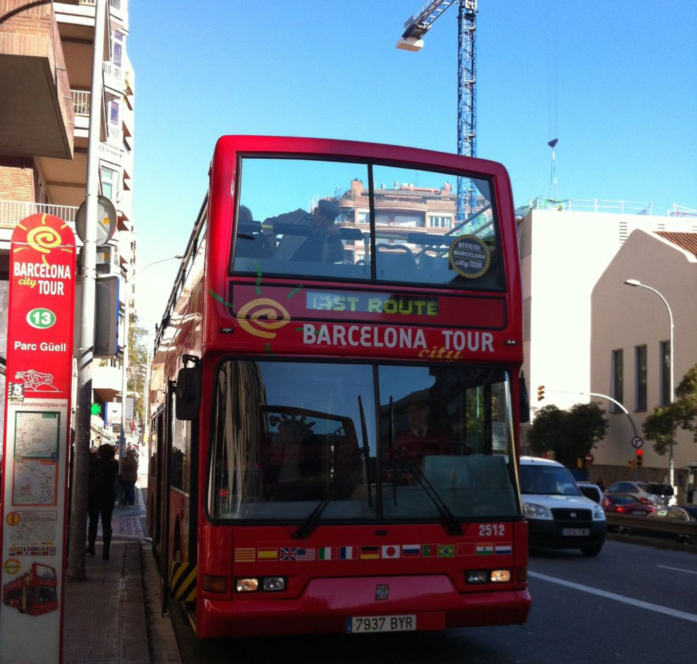 Hop On Hop Off Bus - Barcelona Inspiration |www.rtwgirl.com