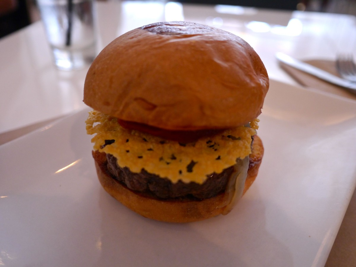 Umami Burger - Los Angeles Restaurants | www.rtwgirl.com