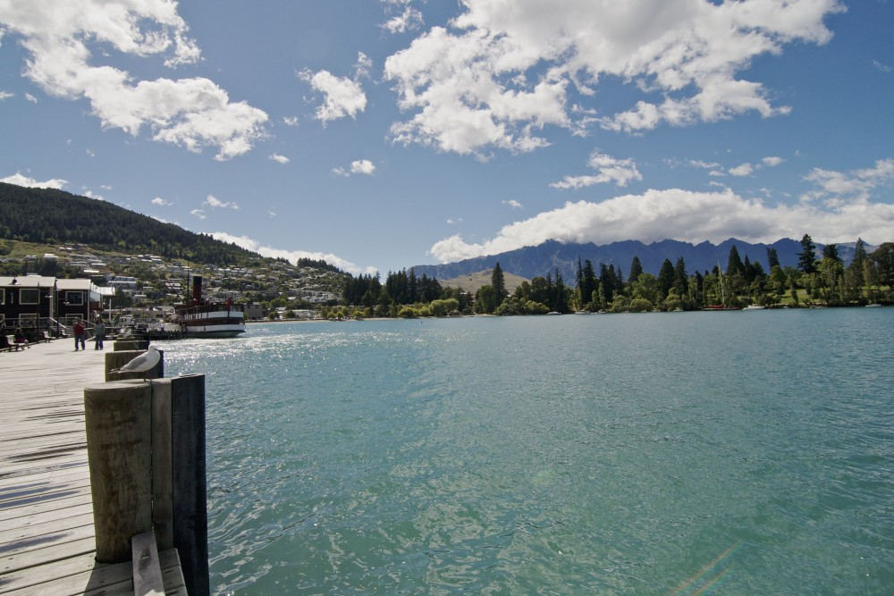 Lake Wakatipu in Queenstown | www.rtwgirl.com