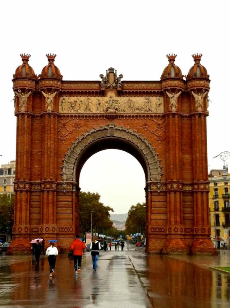 Arc de Triomf Barcelona | www.rtwgirl.com