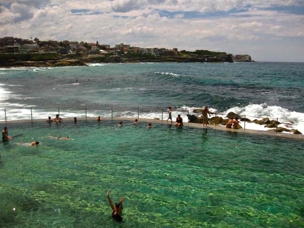 Bronte Beach Pool - Sydney Beaches | www.rtwgirl.com