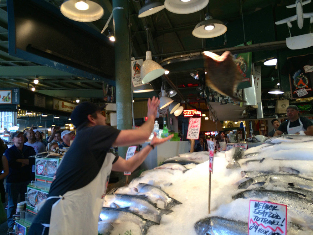 Seattle Day Trip - Pike Place Market | www.rtwgirl.com