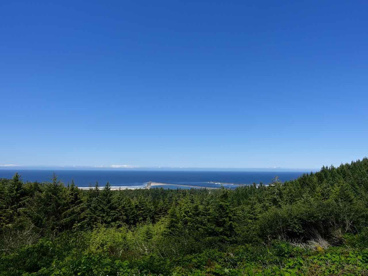 West Coast Road Trip: Umpqua Lighthouse State Park in Reedsport | www.rtwgirl.com