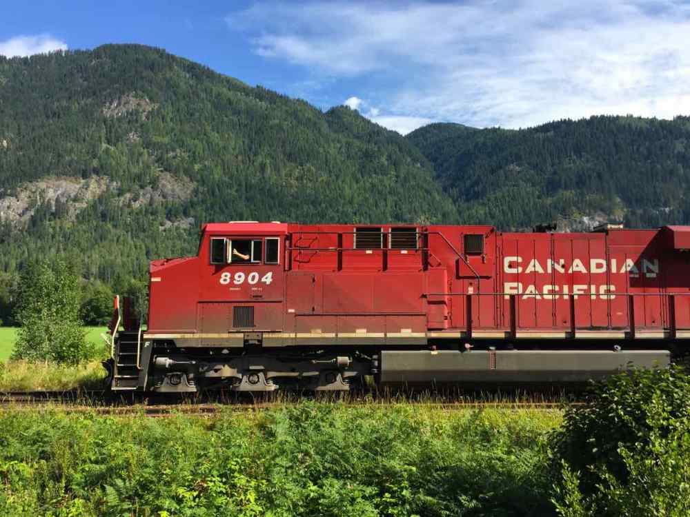 Canadian Pacific Train | www.rtwgirl.com