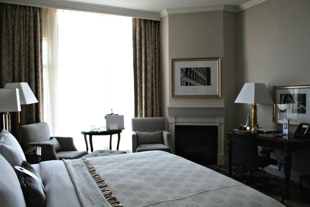 Victoria Room| www.rtwgirl.com