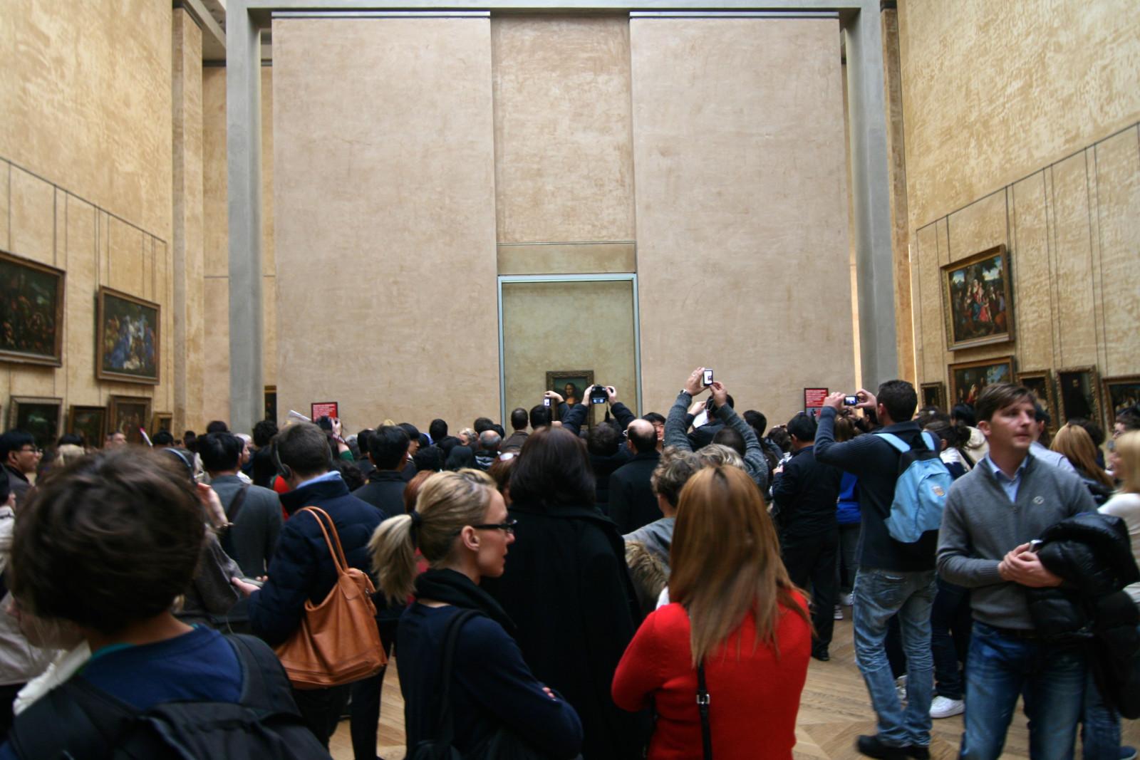 Mona Lisa Louvre Paris tips
