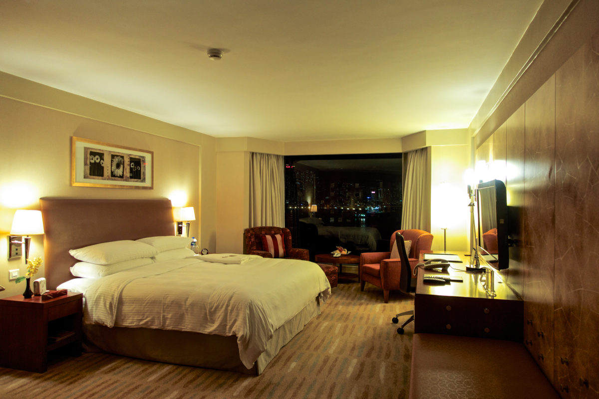 Shangri La Kowloon Suite