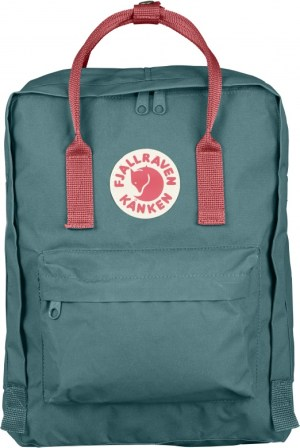 Fjallraven Kanken Backpack - Banff Packing List | www.rtwgirl.com