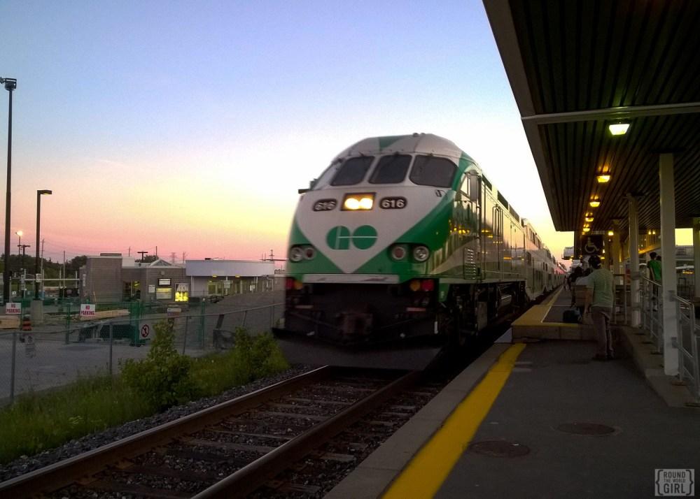 GoTrain To Toronto | www.rtwgirl.com