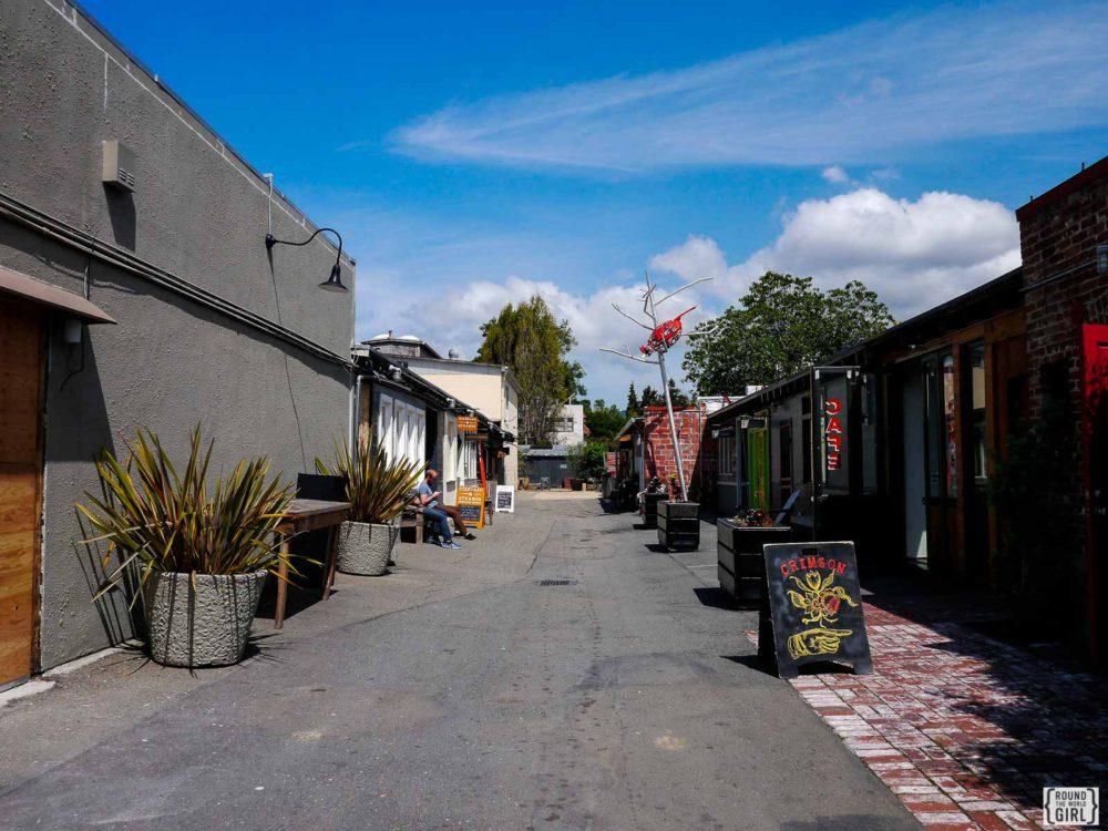 Temescal Alley Oakland | www.rtwgirl.com