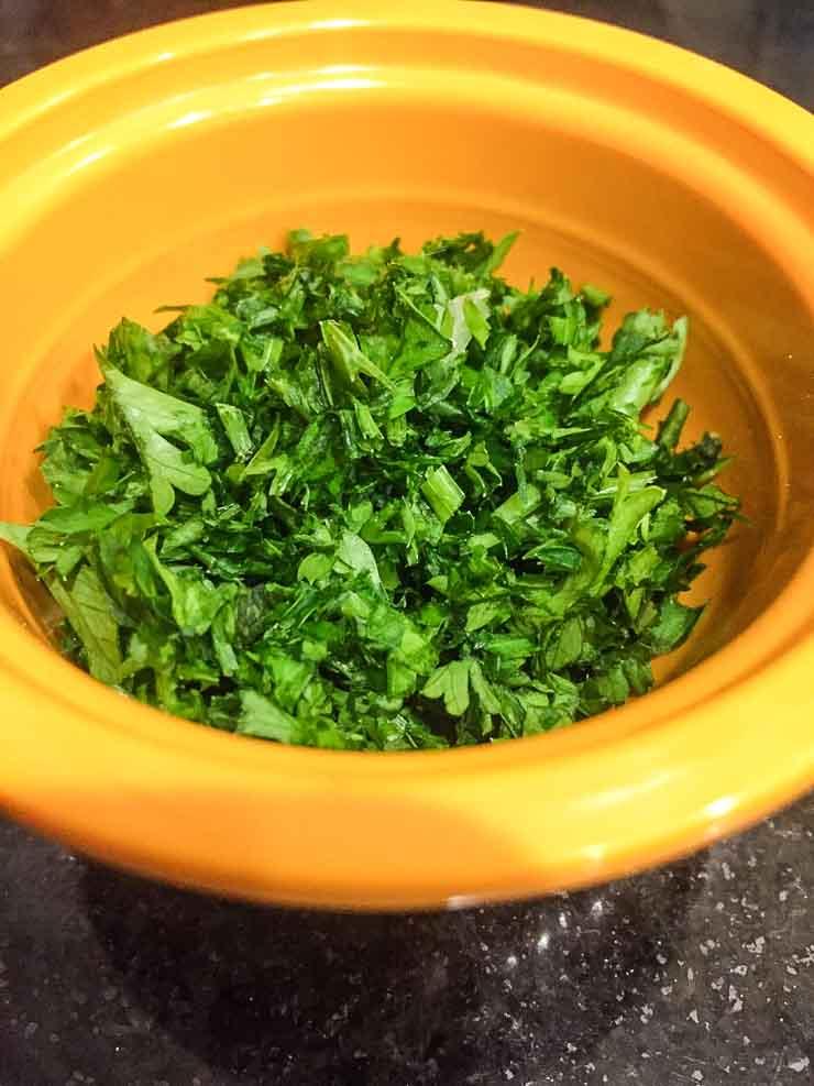 Chopped Parsley | www.rtwgirl.com