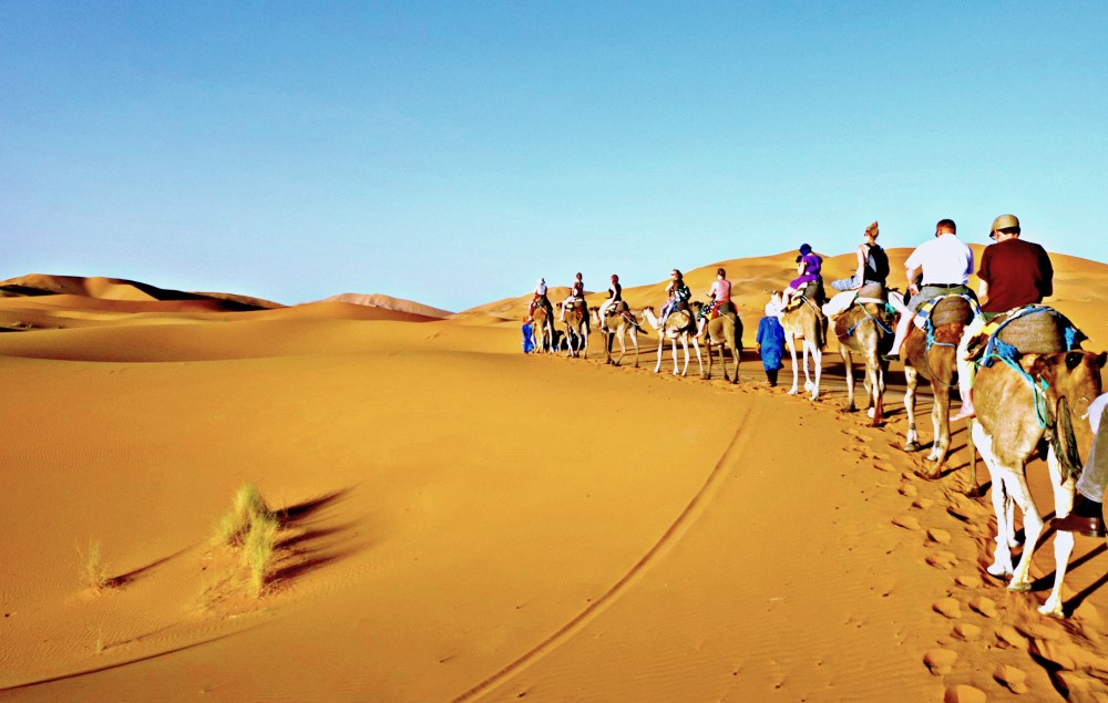 Group Travel: Tips On How To Survive A Trip With Others | www.rtwgirl.com