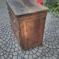 Restauro conservativo di un comò Luigi Filippo in noce massello, Pisa