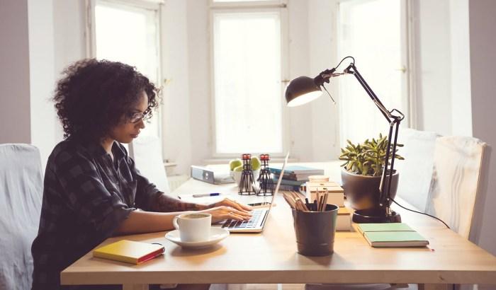 Agar Dapat Bekerja Dari Rumah - Alasan Menjadi Freelancer - bagusberlian.com