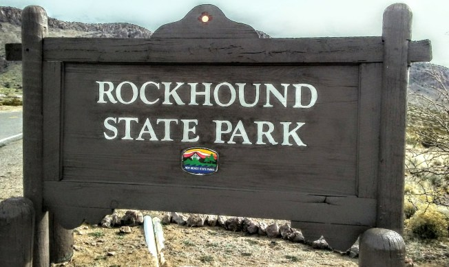Brown sign reading Rockhound State Park