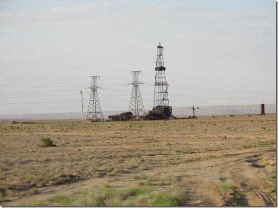 Заброшеная нефтяная вышка в Карагие