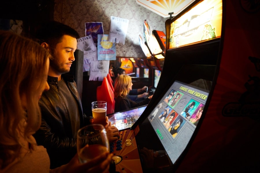 mortal kombat arcade cabinet