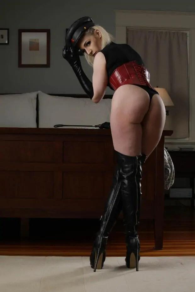 Seattle dominatrix And seattle bondage educator ruby enraylls