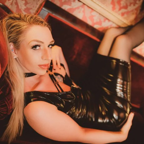 Seattle Mistress Ruby Enraylls is an Exquisite Blonde and dominant woman who will rule your world and make you her bitch.