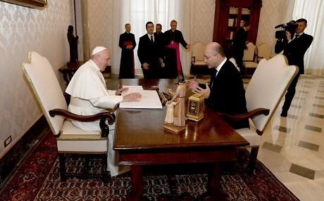 President Barham Salih invites Pope Francis to Iraq while at Vatican