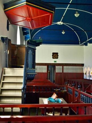 Interieur kerk Niehove