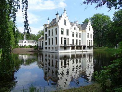 Landgoed Staverden spiegeling in water