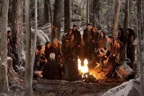 The-Twilight-Saga-Breaking-Dawn-Part-2-02-3
