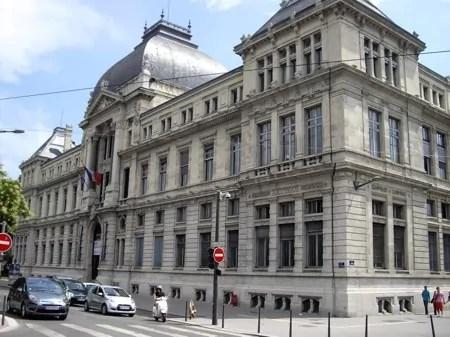 Un hacker ridiculise Lyon 3 en piratant les données informatiques des étudiants