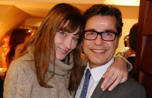 Carla Bruni enlace Emmanuel Hamelin, candidat sur la liste UMP-UDI à Lyon (photo sur le Facebook du candidat).