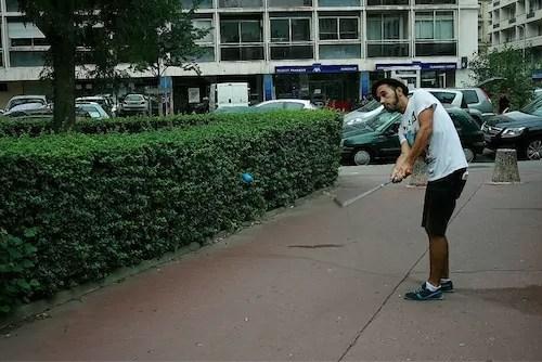 Joueurs de street-golf à Lyon: «le mobilier urbain a été conçu pour nous»
