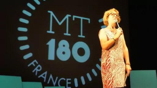 """Geneviève Fioraso, secrétaire d'Etat en charge de l'Enseignement supérieur et de la Recherche, lors du concours de """"Ma Thèse en 180 secondes"""", à Lyon, le 10 juin 2014."""