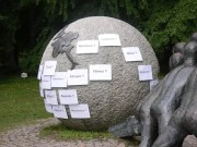 Une tentative de hacking de la sculpture en 2004. ©DR