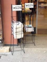 Présentoir Le Petit Bulletin, librairie Passages (rue de Brest) / Crédits Axel Poulain/Rue89Lyon