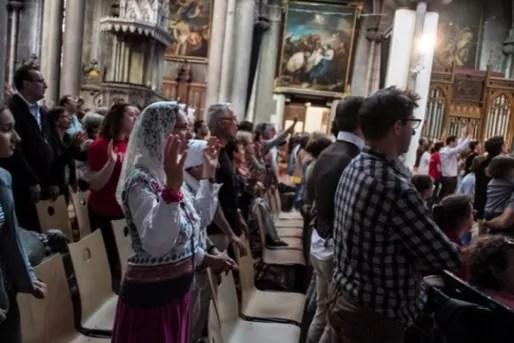 Pendant la messe de Pentecôte. ©Thomas