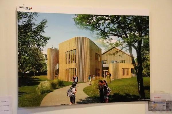 Le nouveau bâtiment s'affiche fièrement sur les murs de l'école (crédit : LM / Rue89Lyon©)