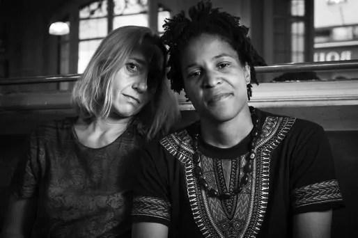 Virginie Despentes et Casey. © Hugo Aymard http://hugoaymar.fr.
