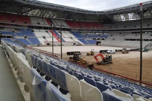 En octobre 2015 les sièges étaient posés sur une moitié des tribunes du stade environ. © BE pour Rue89Lyon
