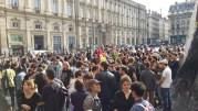 Le rassemblement contre le recours au 49-3, place des Terreaux vers les 18 heures. ©LB/Rue89Lyon