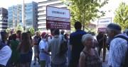 A l'appel des associations SCL et Alcaly, une soixantaine de personnes se sont rassemblées contre la participation de la Région au financement de l'A45. ©LB/Rue89Lyon