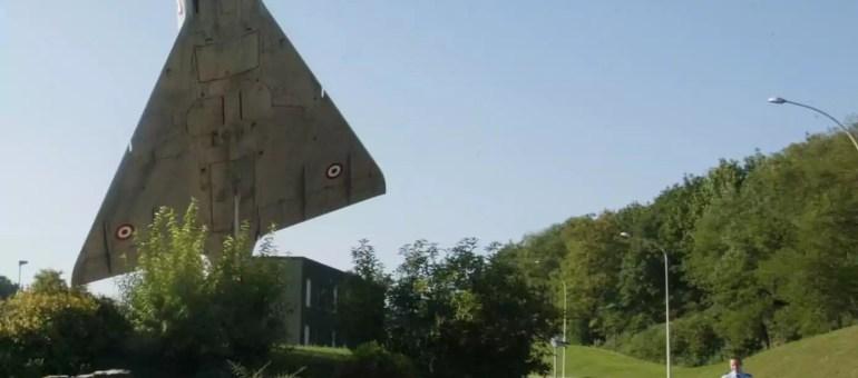 Après son congé parental, un pilote débarqué par l'armée de l'air