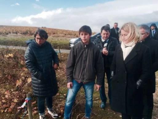 Barbara Pompili dans les vignes de la famille Foillard, dans le Beaujolais. DR